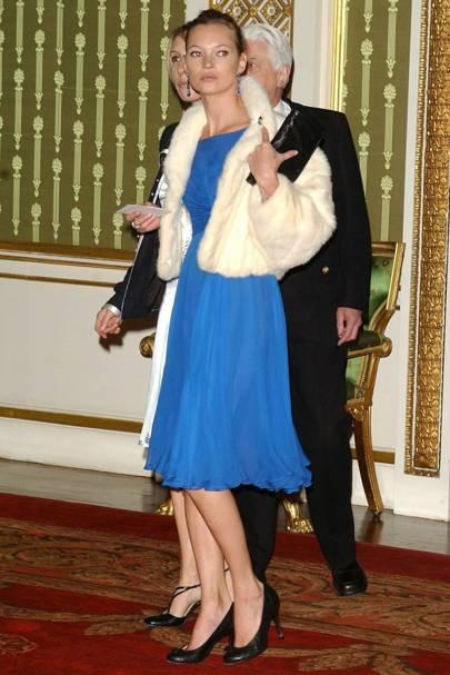 Kate Moss – Feeling Blue