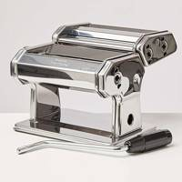 Gifts for him: the pasta maker