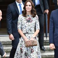 kate middleton style fashion the duchess of cambridge s dresses glamour uk kate middleton style fashion the