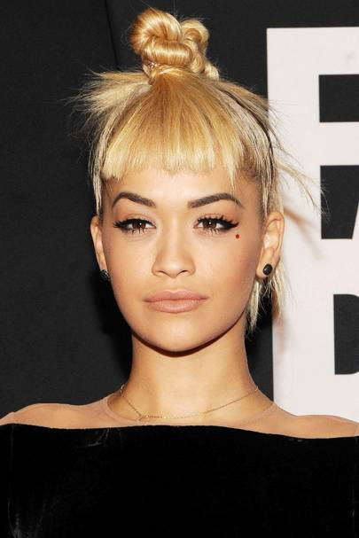 Messy Bun Hairstyles: Casual Cool Girl Up-Dos | Glamour UK
