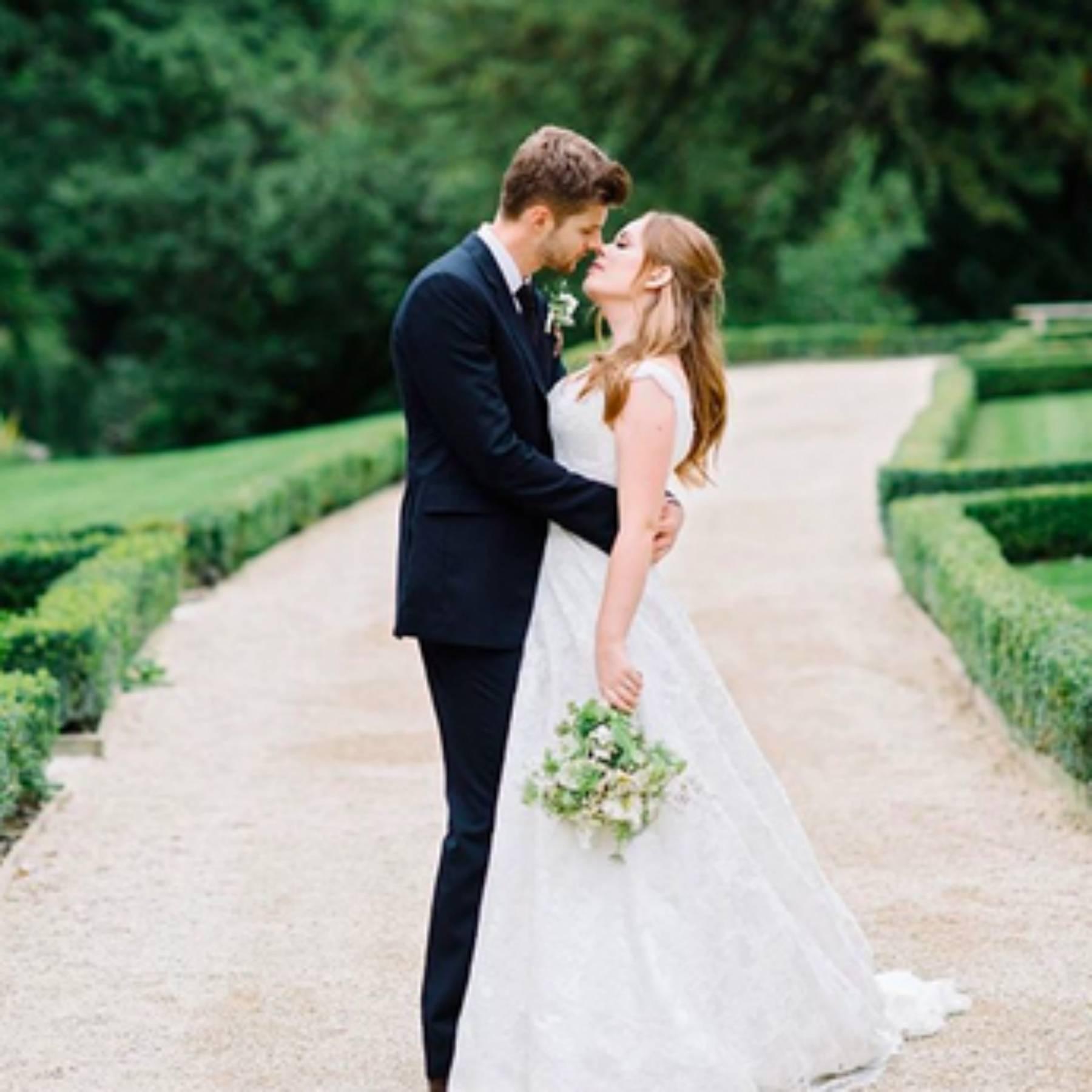 Tanya Burr Wedding To Jim Chapman   Dress, Guests & Pictures