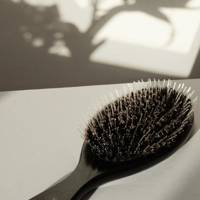 Valentine's Day gifts for her: the hairbrush