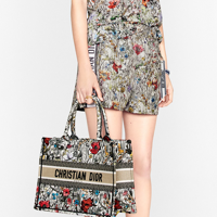 Best designer tote bag: A modern icon