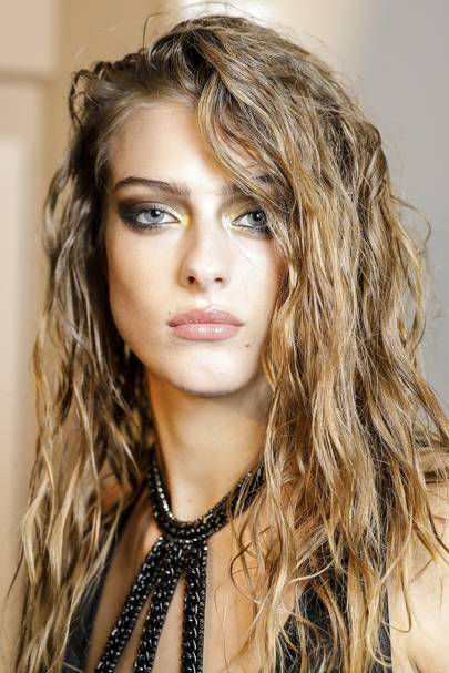 Hairstyles for long hair - Long Hair Trends, Ideas & tips 2018 ...