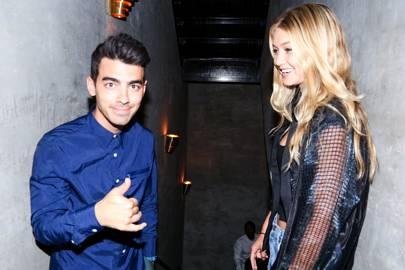 er Joe Jonas og Gigi Hadid dating japanske dating sites i Japan