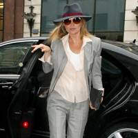 Kate Moss – Suits You