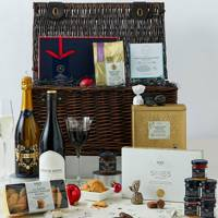 Christmas Hamper: Perfect for making an impression