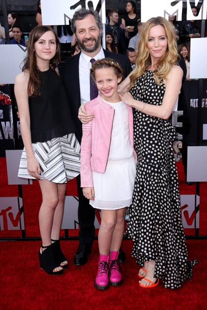 Judd Apatow, Leslie Mann & family
