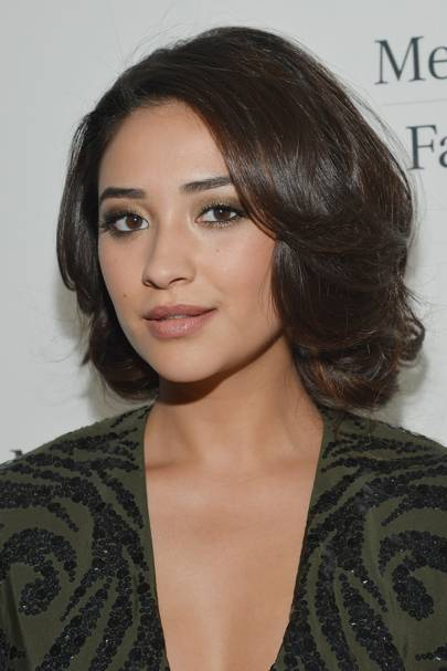 Shay Mitchell Hair Makeup Beauty Best Hairstyles Glamour Uk