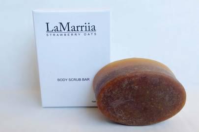 Strawberry Oats Body Scrub Bar by LaMarriia