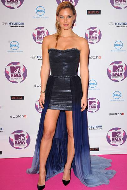 Bar Refaeli at the MTV EMAs 2011