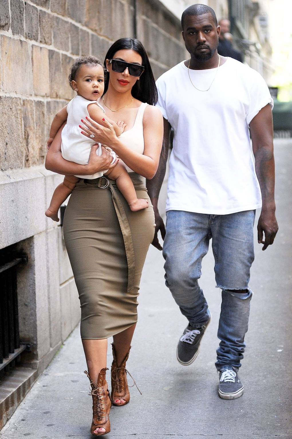 06db3a318dc2 Kim Kardashian Baby Pictures – Baby North West