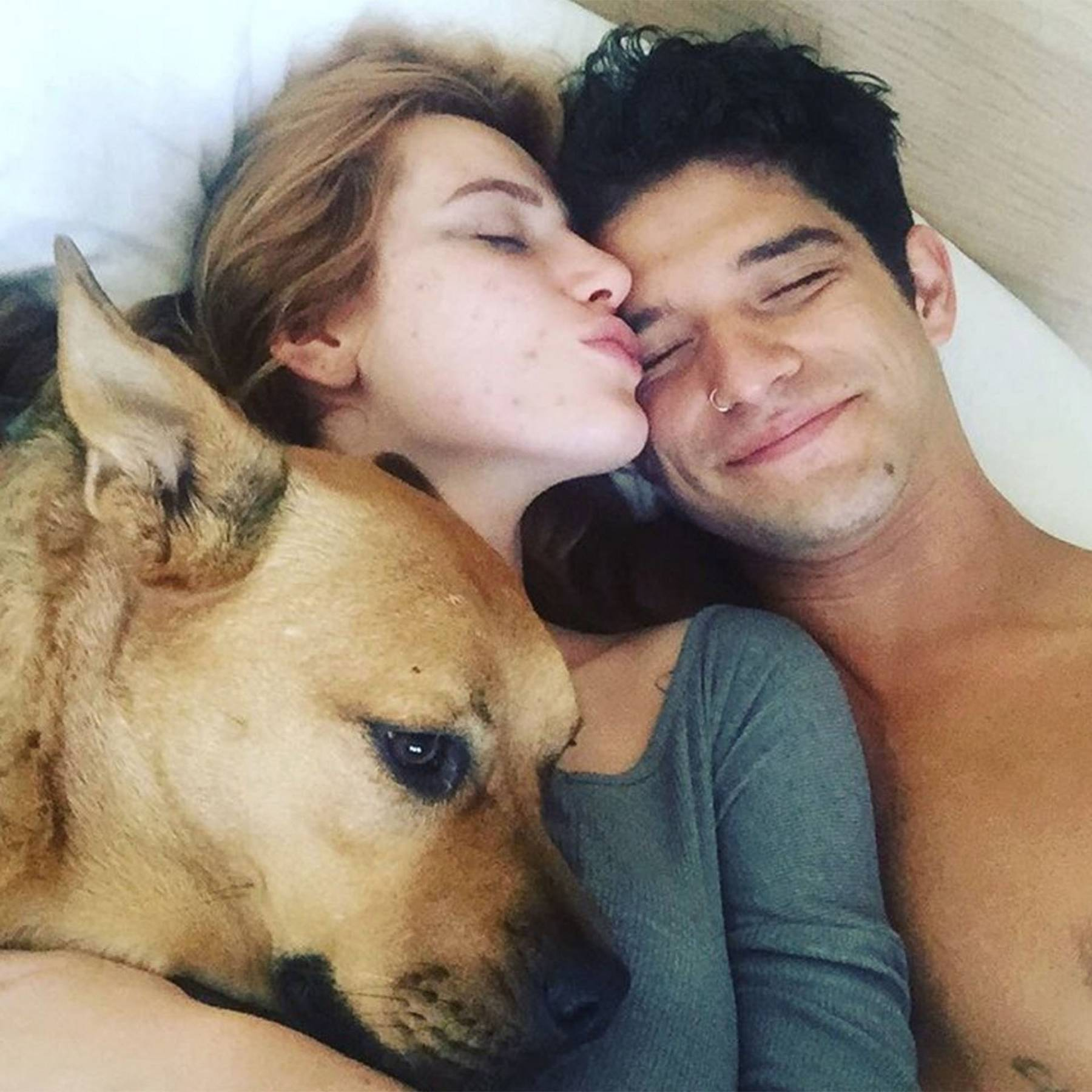 Bella Thorne Calls Tyler Posey Her Mancrushmonday As She Straddles