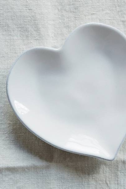 Valentine's Day gifts for her: the side plate