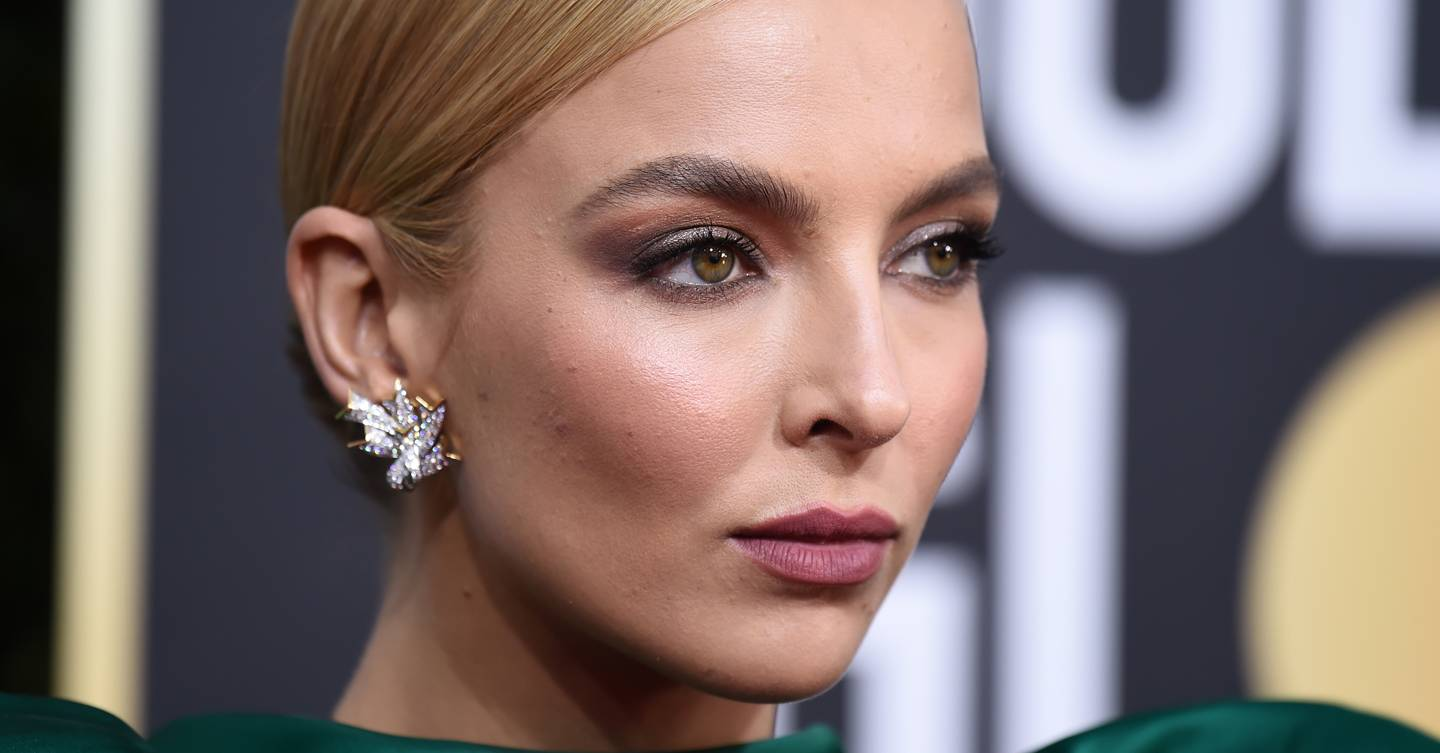 Here's how to get Jodie Comer's Golden Globes bun hairstyle