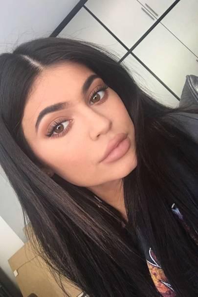 Maliboo Kylie Lip Kit Swatch: Kylie Jenner's Eyeshadow Palette: Kyshadow Bronze & Silver