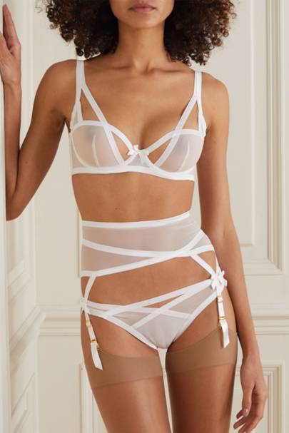 Best sexy lingerie: the bridal set