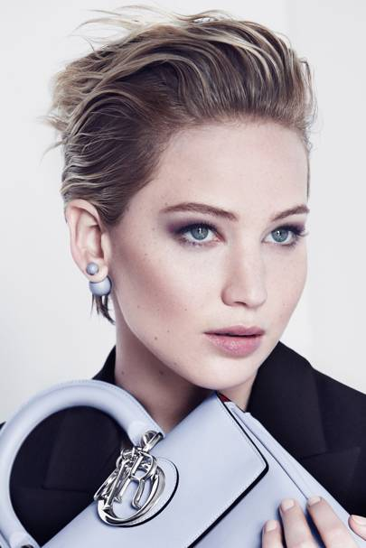 She S Been The Face Of Brand Since 2017 And In New Ads Shot By Patrick Demarchelier Jennifer Lawrence Looks Control Sophisticated Elegant