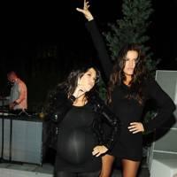 Kourtney & Khloe Kardashian