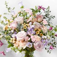 Best mother of the bride gifts: the flowers