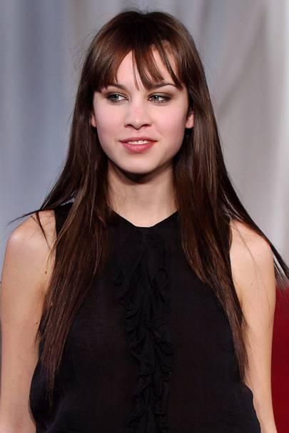 Alexa Chung Best Hairstyles Hair Make Up Looks Glamour Uk