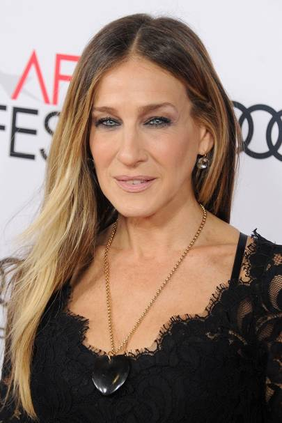 2016: SJP stepped out for the premiere of Rules Don't Apply and opted for a textured straight hair look and subtly smoked-out eyes.