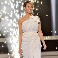 Dannii Minogue – Gorgeous is Grecian