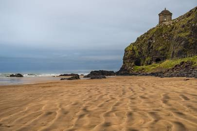 Northern Ireland: Mussenden Temple and Downhill Beach, Coleraine