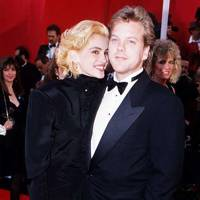 Julia Roberts and Kiefer Sutherland