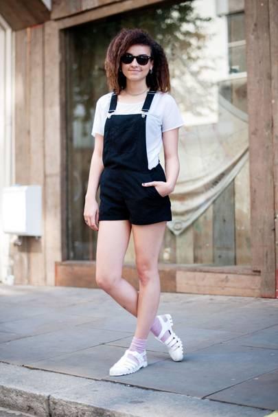 Alice Conteh, Fashion History Student