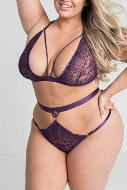 Best plus size lingerie sets: Love Honey