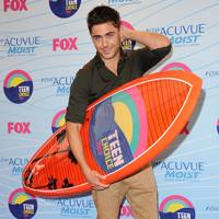 Zac Efron at the Teen Choice Awards 2012