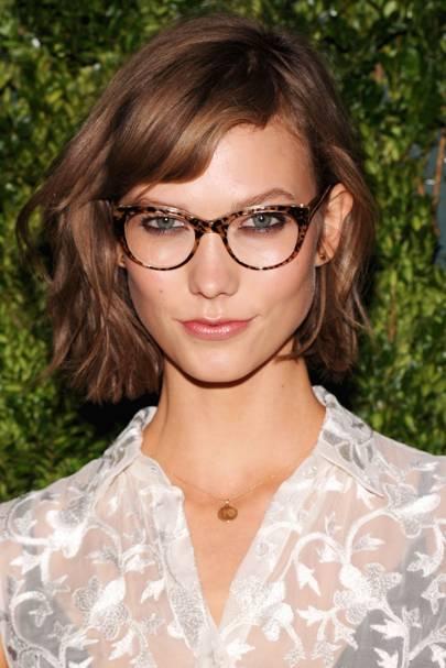 Best bobs for glasses wearers: The side fringe bob