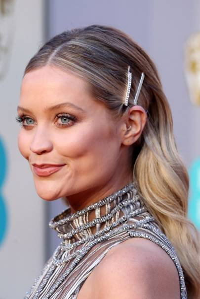 1c05fd62374 Brushed-through lengths and a few accessories take waves from relaxed to  red carpet in a matter of minutes. Laura Whitmore shows us how it s done.