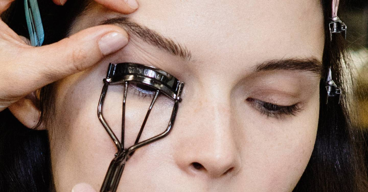 This TikTok beauty hack will revolutionise the way you use eyelash curlers, forever