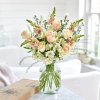 Gifts for her: the letterbox bouquet