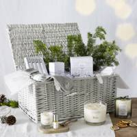 Christmas Hamper: Perfect for those in need of a pamper