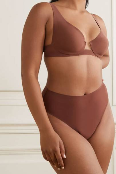 Skims Review: the plunge bra