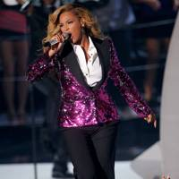 Beyoncé performs at the MTV VMAs 2011