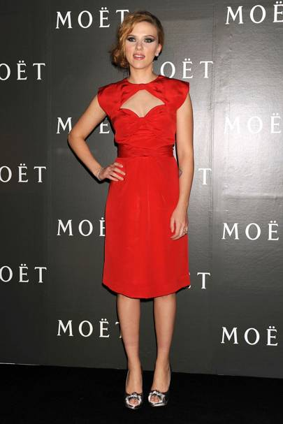 Scarlett Johansson – Lady In Red