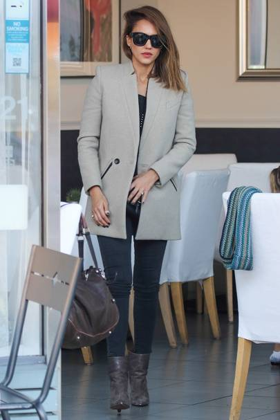1f67bfba5545b This look is classic Jessica: a sleek and chic neutral coat, perfect  side-swept hair and skinny trousers. She finished off the look with some  oversized ...