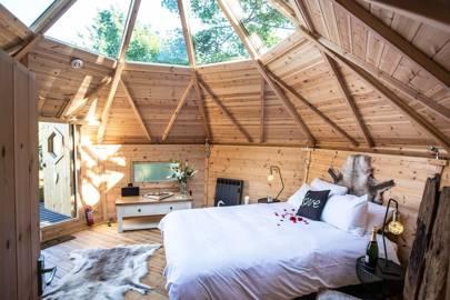 Best romantic treehouse holiday UK