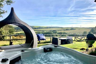 Best Cornwall Airbnb with hot tub