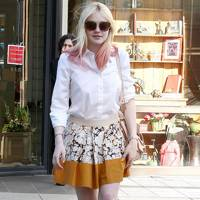 Skirt 'N' Shirt - Dakota Fanning