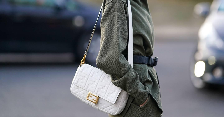 Everyone Is Carrying The Fendi Baguette Bag  f29852e916253