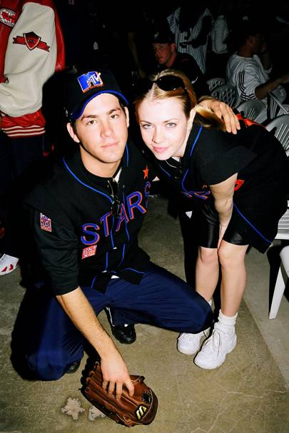 Ryan Reynolds & Melissa Joan Hart