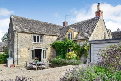 Best Airbnb in the Cotswolds for relaxation