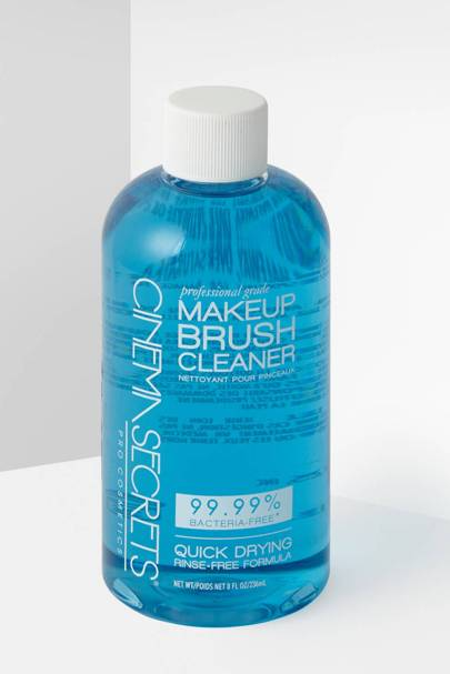 The brush cleaner