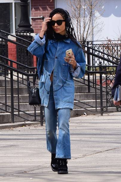 28594eac99 Zoë Kravitz has NYC street style nailed. We adore her double denim look -  impeccable 90s cool.