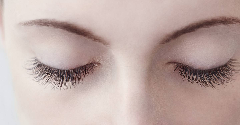 Eyelash Extensions Dos And Donts For Amazing Eyelashes Glamour Uk
